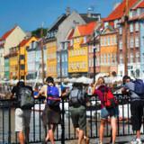 Til trods for ustadigt vejr og høje priser bliver turisterne ved med at strømme til Danmark.