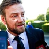 Tidl. skatteminister Troels Lund Poulsens (V) presserådgiver Peter Arnfeldt skulle have været udspurgt af skattesagskommissionen tirsdag, men afhøringen er blevet udskudt.
