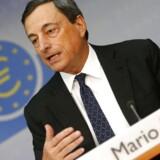 ECB-chefen Mario Draghi lover en rente på det nuværende niveau »eller lavere« i en rum tid frem.