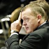 Venstres formand Lars Løkke Rasmussen kom under beskydning for at have fået betalt sin datter flybillet af miljøorganisationen GGGI.