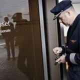 SAS-huset i Kastrup lufthavn dannede søndag nat rammen for de sidste forhandlinger mellem personale og ledelse for at redde det kriseramte flyselskab.