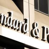Hvis Standard & Poor's gennemfører ændringen, hvilket langt de fleste analytikere regner med, at de gør, vil Danske Bank stå i et dyrt dilemma.