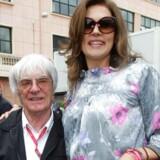 Formel1-bossen med sin ekskone Slavica, der nu ejer mere af af Formula One Group end sin eksmand. (arkivfoto)