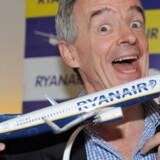Ryanair og topchef O'Leary sætter 1 million oneway flybilletter til salg til kun 10 euro (cirka 74 kr.) på selskabets mere end 1.000 ruter over hele Europa i januar og februar. Fra Danmark gælder det dog kun flybilletter til London Stansted.
