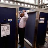 Lancering af Full Body Imaging Screeners i Chicago O'Hare Lufthavn, USA.
