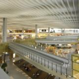 Lys og luft og rigeligt med siddepladser vægter hos mange passagerer. Hong Kong International Airport har nok af det hele til at score førstepladsen på listen over Verdens Bedste Lufthavne.