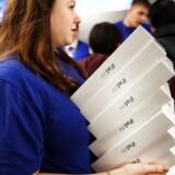 Apple vil skovle penge ind på sin nye iPad Air, som koster meget mindre at lave end forgængeren, mens prisen omvendt er sat op. Arkivfoto: Spencer Platt, Getty/AFP/Scanpix