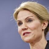 Statsminister Helle Thorning-Schmidt holder pressemøde i Statsministeriets spejlsal.