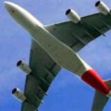 Australske Qantas Airways offentliggjorde onsdag, at selskabet har indstillet et A380-fly efter at have fundet 36 små sprækker i vingerne på flyet.