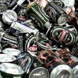 Hidtil har det 400 millioner årlige køb af tyske drikkedåser været uden pant på grund af en særordning i det dansk-tyske grænseland. Men miljøminister Troels Lund Poulsen (V) forsøger nu sammen med de tyske myndigheder at strikke en ordning på plads.