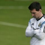 Diego Maradona håber på at se det bedste fra Lionel Messi i VM-finalen mod Tyskland.