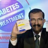 Det indiske medicinalselskab Glenmark Pharmaceuticals har slået sig op på salg af kopimedicin og er blevet lune på diabetesområdet. I 2015 præsenterede direktøren for selskabets aktiviteter i Indien, Sujesh Vasudevan, en udgave af et billigt diabetesmiddel, og Glenmark vil nu også kopiere et lukrativt Novo-præparat inden for hormonbehandling. Foto: Manjunath Kiran/AFP
