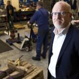 Jens Holm-Nielsen fra Semco Martime advarer mod at tro, at hjerneflugten er hørt op. Lige nu mangler Semco ikke ansatte, men det kan hurtigt vende, hvis olieprisen stiger igen. Arkivfoto: Nils Rosenvold