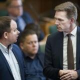Dansk Folkepartis Martin Henriksen undrer sig over regeringens afslag på forslag om stramninger for integrationen.