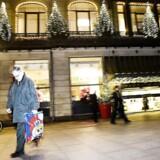 Arkivfoto. Svindel eskalerer på nettet, hvor danskerne frarøves dankortoplysninger og i sidste ende julebudgettet. Pengene ryger direkte i lommen på kinesiske bagmænd, for mange netbutikker er fup, advarer E-mærket.