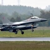 Fire F-16 jagerfly flyver fra Flyvestation Skrydstrup til Baltikum for at overvåge luftrummet i Estland, Letland og Litauen. Flyvestationen ombygges for 600 millioner kroner til at modtage forsvarets nye kampfly F-35. Scanpix/Claus Fisker