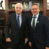 Udenrigsminister Anders Samuelsen mødte under sit første besøg i Washington topministre, men også senator John McCain, der til præsident Donald Trumps store irritation optræder som en slags kritisk skyggeudenrigsminister. Foto: Michael Bjerre.