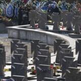 Krigskirkegården i den ukrainske by Lviv. De faldne kæmpede mod ukrainske og senere mod sovjetiske styrker i 1918-1921.REUTERS/Gleb Garanich (UKRAINE - Tags: POLITICS CONFLICT MILITARY ANNIVERSARY TPX IMAGES OF THE DAY)