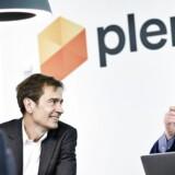 Plenti nåede at få IT-iværksætteren Preben Damgaard (til venstre) med som ny investor, inden TDC i september købte mobilselskabet, som nu mister sin ret til at tage ekstra for roaming. Til højre nu tidligere administrerende direktør Peter Mægbæk. Arkivfoto: Plenti
