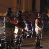 Jordanske sikkerhedsstyrker ved den israelske ambassade i hovedstaden Amman.