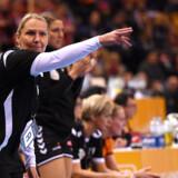 Danske Helle Thomsen kunne ikke føre Holland til den helt store triumf ved håndbold-VM. Men i kampen mod Sverige var hendes mandskab stærkest. Scanpix/Patrik Stollarz/arkiv