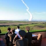 Målet med mandagens affyring af et ballistisk missil var ifølge nordkoreanerne at teste et våben, der med præcision kan ramme mål på fjendernes områder. Scanpix/Str