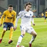 Jose Maria Gimenez (24), Atletico Madrid og Rasmus Falk (33), FC København, under Europa League-kampen i Parken imellem FC København og Atletico Madrid torsdag den 15. februar 2018.