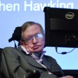 Stephen Hawking under computerchipgiganten Intels demonstration af sit nye og stærkt avancerede kommunikationssystem, der anvender en form for kunstig intelligens.