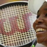 Venus Williams kan lørdag vinde Wimbledon for sjette gang, hvis hun kan slå spanieren Garbiñe Muguruza i finalen. Scanpix/Adrian Dennis