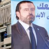 """På en plakat med et billede af Libanons tidligere premierminister Saad al-Hariri står der: """"Med dig i evig tid"""". Saudi-Arabien har set al-Hariri som en svag premierminister, der bøjer sig for øget iransk indflydelse i landet. Derfor tolkes al-Hariris meddelelse netop fra Saudi-Arabien som et tegn på, at det er Saudi-Arabien, der har været med til at tage beslutningen om, at han skulle fratræde."""