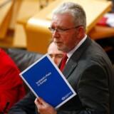 Den skotske minister, Michael Russell, siger til parlamentsmedlemmer i London, at han ikke ved, hvornår premierminister Theresa May har planlagt at udløse artikel 50 med et brev til EU. Han har heller ikke set et udkast til brevet.
