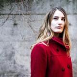 Portræt af Trine Johst Vammen, som arbejder for Ungdommens Røde Kors. Hun har valgt at arbejde for dem bl.a. fordi de arbejder for at forbedre verden.
