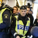 150-200 personer stoppes ugentligt ved svenske grænsekontrol, og regeringen vil derfor forlænge kontrollen.