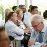 Marienborg topmøde den 25. maj med Emnet et stærkere Danmark. Svenske Anders Borgen taler. Statsminister Lars Løkke Rasmussen og Lizette Riisgaard formand for LO lytter.