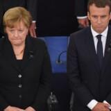Tysklands forbundskansler, Angela Merkel, og Frankrigs præsident, Emmanuel Macron, hyldede Helmut Kohls minde med taler ved mindehøjtidelighed i Strasbourg. Scanpix/Patrick Hertzog