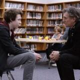 """Gabriel Byrne (til højre) er det emotionelle anker i """"Louder Than Bombs"""" af norske Joachim Trier."""