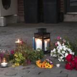 Da politiet tirsdag eftermiddag d. 12. juli 2016 anholdt den efterlyste Lars Kragh fandt de også forældrene Kirsten og Jørgen Kragh dræbt i Lars Kraghs bil. Tisdag aften var der blevet lagt blomster og tændt lys ved Kirsten og Jørgen Kraghs hus i Låsby mellem Aarhus og Silkeborg.