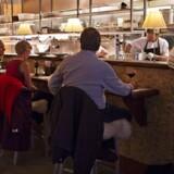 Danskerne er ikke meget for at taste drikkepenge ind på dankorterminalen. Det har restaurantkæden Madklubben taget konsekvensen af og har allerede fjernet drikkepengefunktionen fra alle restauranternes dankortterminaler.