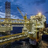Olieplatformen på Tyra-feltet (billedet) synker i havbunden. Hele processen om ændrede rammevilkår i Nordsøen er igangsat for at finde en løsning på den udfordring.