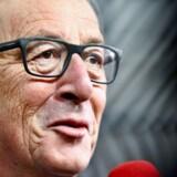 EU-Kommissionen har fremsat forslag for at styrke euroen forud for et eurotopmøde i den kommende uge.
