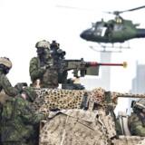 »I det hele taget er det på tide, at forsvarets rolle og kondition kommer til debat, også selv om det er på en dyster baggrund som sikkerhedspolitisk ustabilitet i vort nærområde.«