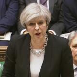 Britisk regeringsleder holder tale i det genåbnede britiske parlament. Her siger hun nyt om gerningsmanden.