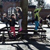 Arkivbillede af elever i spisefrikvarteret på Hadsundvejens Skole i Randers.