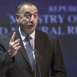 En talsmand for Ilham Alijev, præsidenten i Aserbajdsjan, afviser nu blankt kritikken af milliardoverførsler fra regimet til blandt andet europæiske politikere.