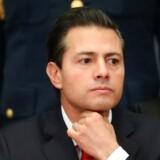 Gode råd er dyre for Mexicos præsident Enrique Peña Nieto, når det handler om at svare igen på Donald Trumps tiltag mod immigrationen fra det latinamerikanske land. Til gengæld kan han finde masser af »dårlige« blandt rasende mexicanere i de sociale medier. REUTERS/Edgard Garrido