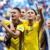 Den overraskende svenske succes ved fodbold-VM i Rusland har sat sit præg på partiledernes taler ved det svenske folkemøde i Visby på Gotland.