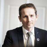 Ifølge finansminister Kristian Jensen (V) er det »en myte, at det kun er læger og advokater, der kan arbejde, når de fylder 65 år«.
