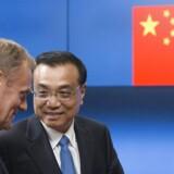 Li Keqiang (højre) og Donald Tusk.