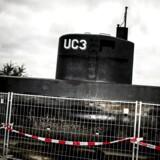Peter Madsens ubåd UC3 Nautilus er i politiets varetægt og står bag hegn i Nordhavnen i København.