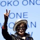På mandag åbner en udstilling af Yoko Ono. Den omfatter også 900 placeringer rundt omkring i Danmark.